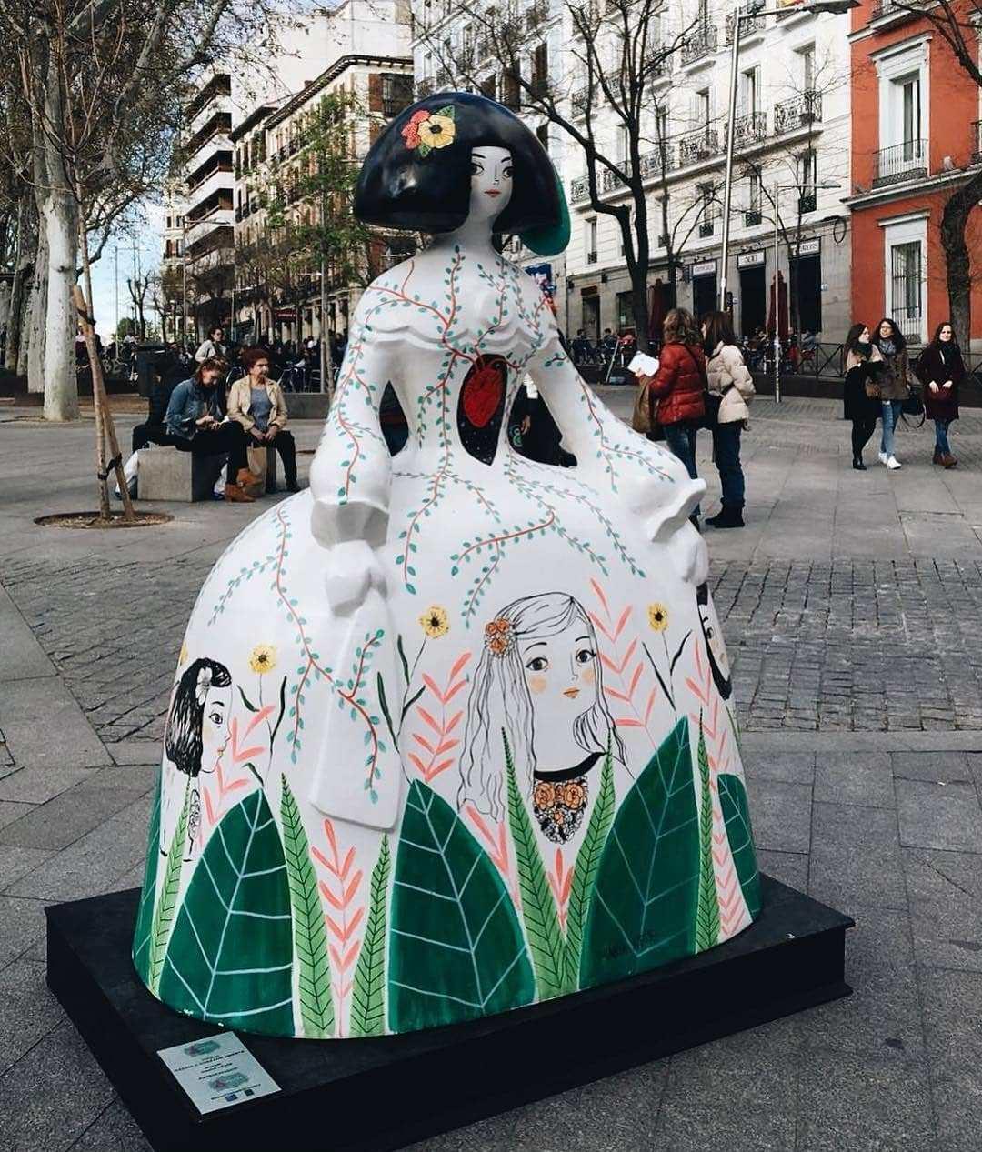 уличная выставка в Мадриде
