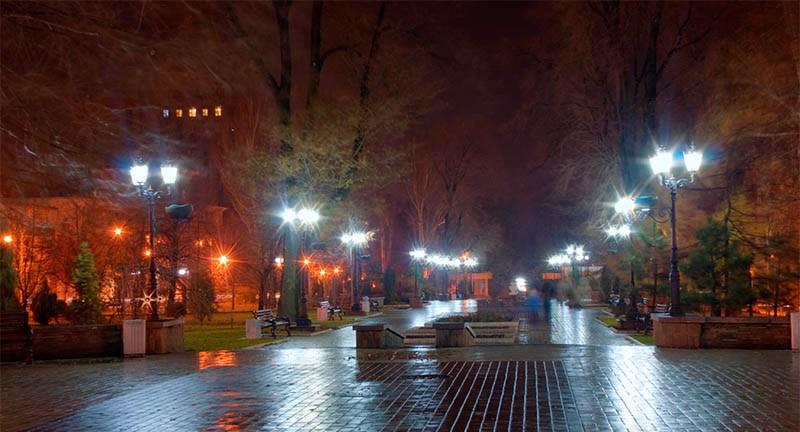 нічне місто