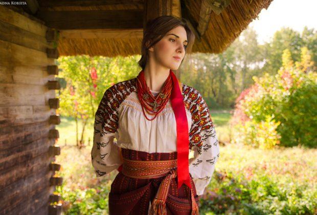 День вишиванки  жінки з передової стануть моделями в етнопоказі ... e8aa0aa1003f8
