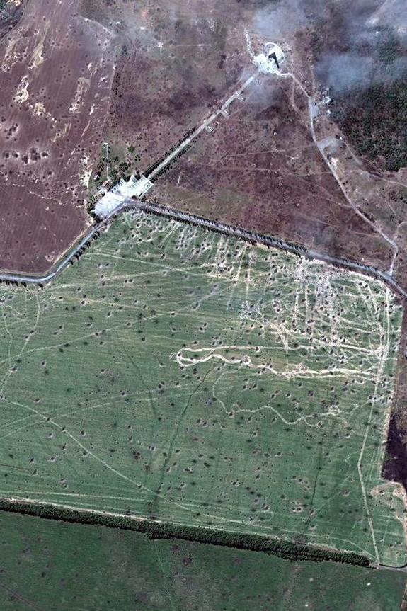 Супутниковий знімок околиць Савур-Могили після місяця боїв, кінець серпня 2014 р.