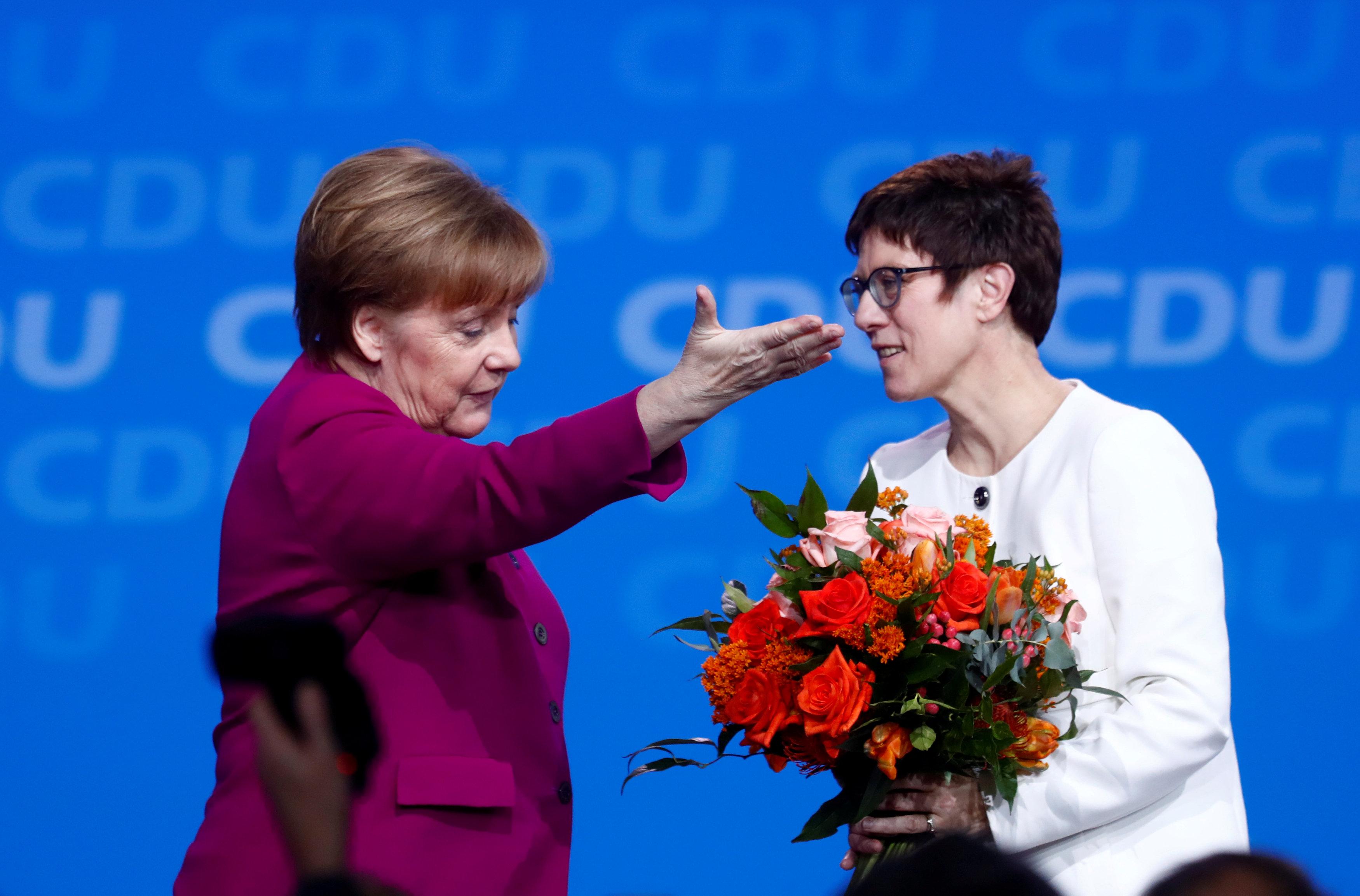 Ангела Меркель з Аннегрет Крамп-Карренбауер