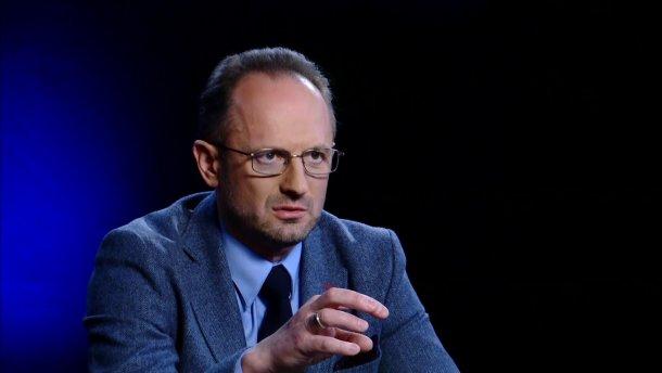 Безсмертний заявив, що питання звільнення територій потрібно вирішувати у військовий спосіб
