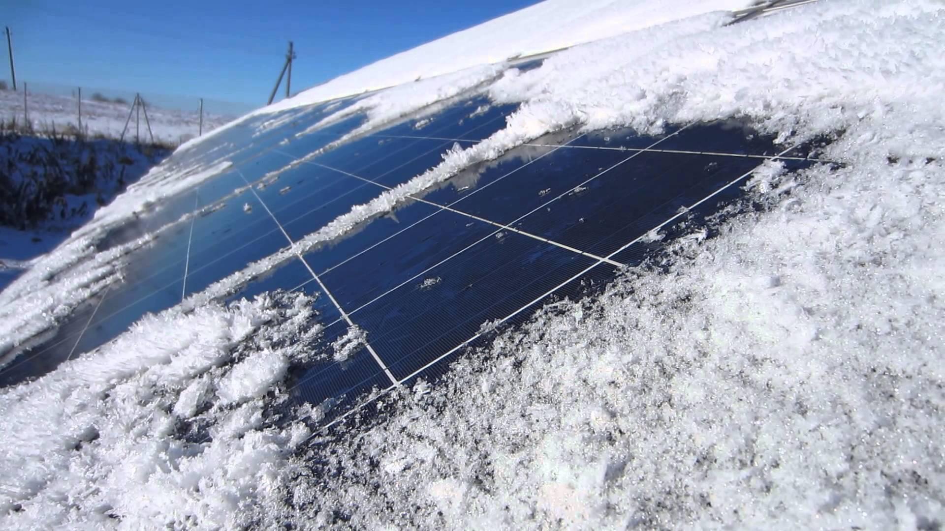 сонячна станція сніг