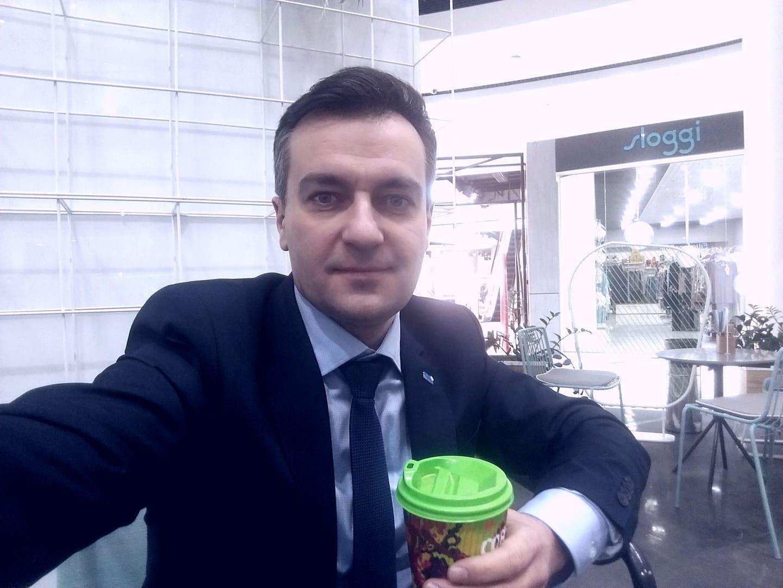 """Флеш-моб """"Кава з кандидатом"""" — так називає свою ідею Дмитро Гнап"""