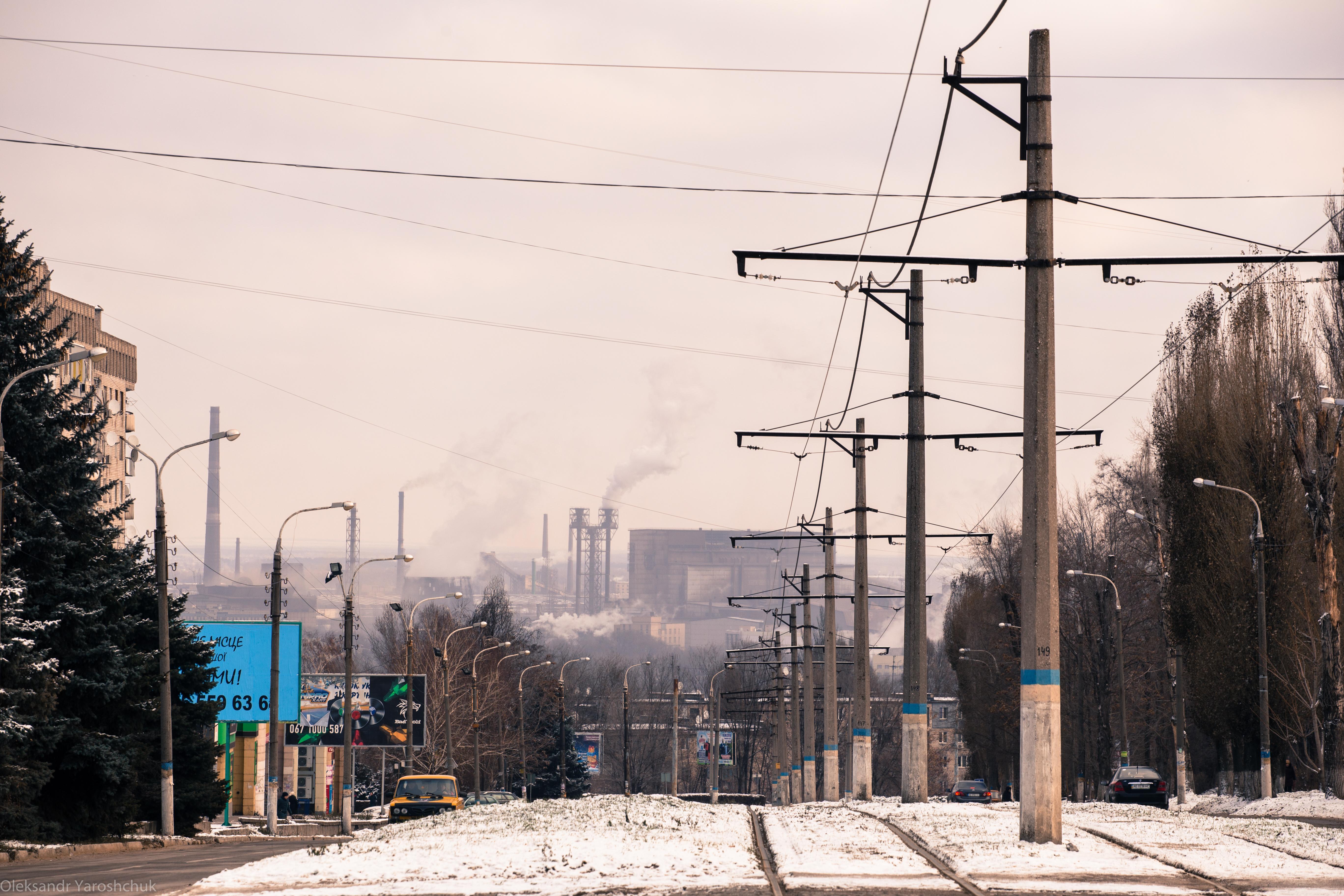 Вид на ДМК із західної частини міста