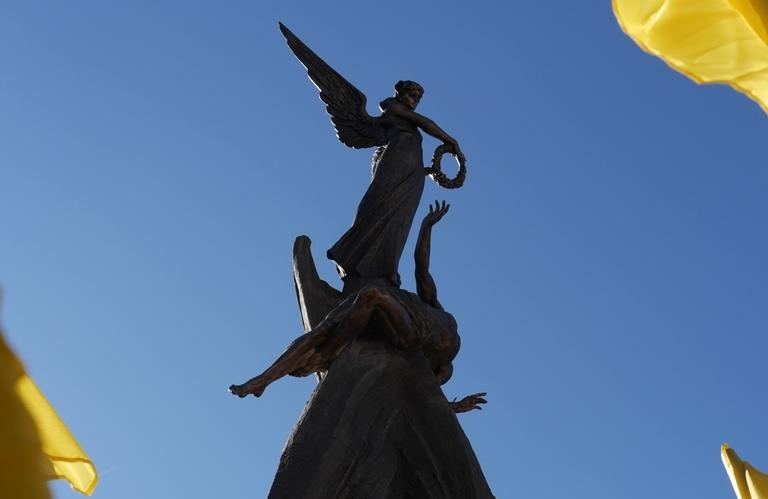 Пам'ятник Небесній сотні у Тернополі