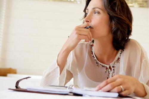 жінка записи нотатник