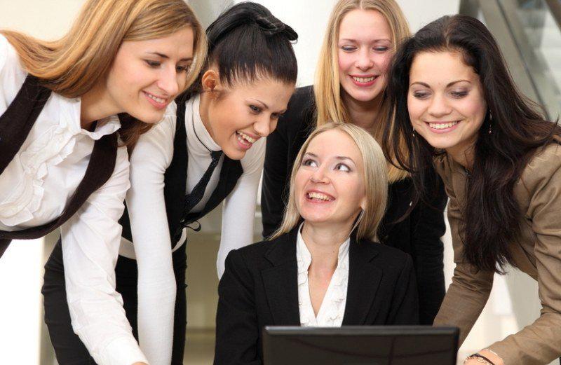 жінки офіс