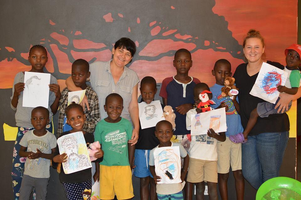 діти-сироти в Кенії малювали Тараса Шевченка