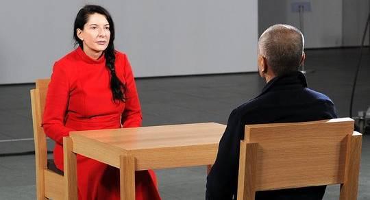 марина абрамович в присутствии художника
