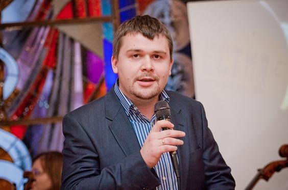 Артем Ковальов