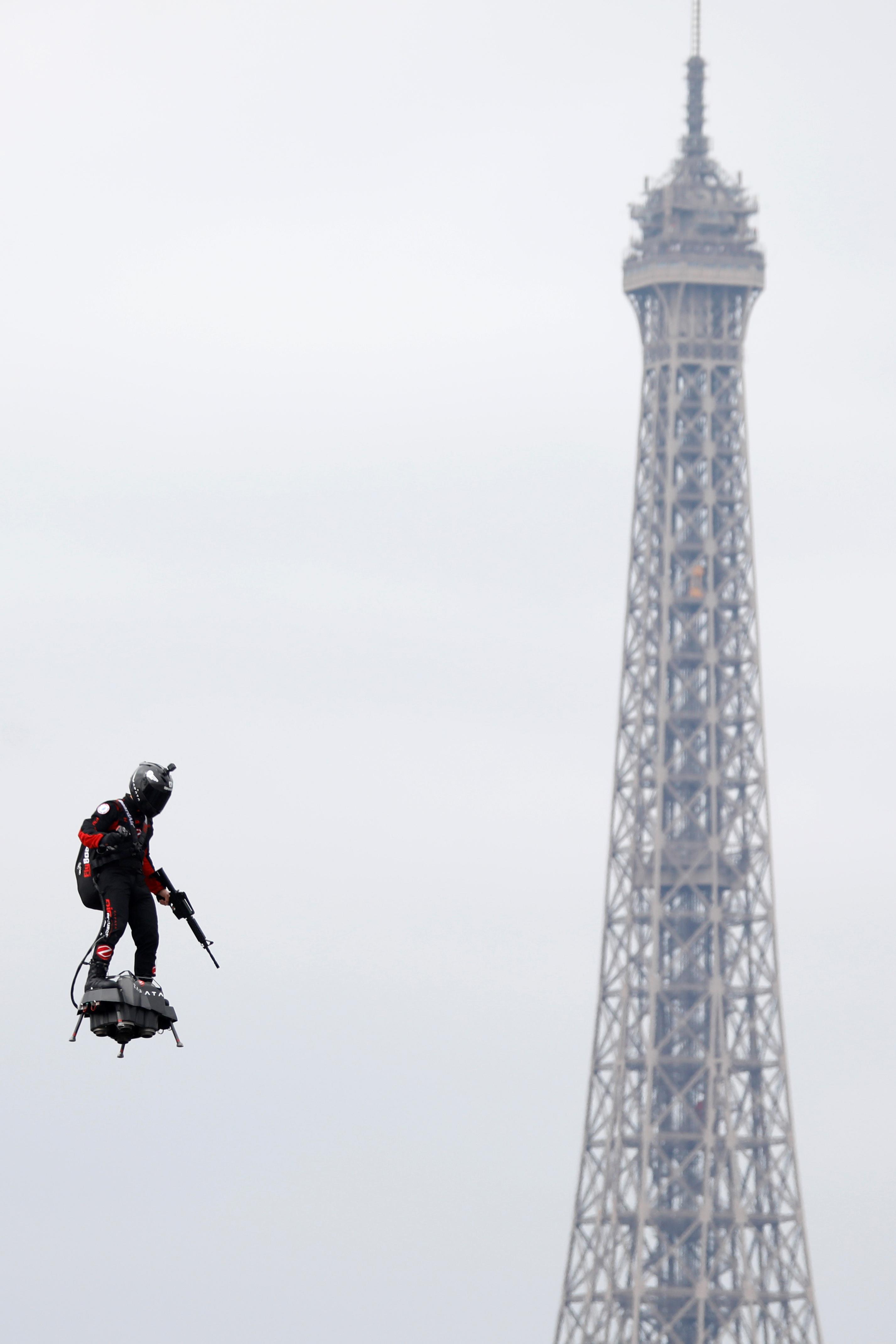 День Бастилії Париж
