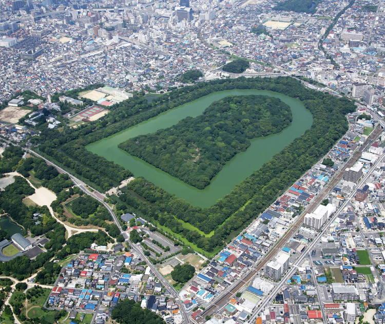 Группа курганов Модзи-Фуруити Кофунгун: гробницы древней Японии (Япония).