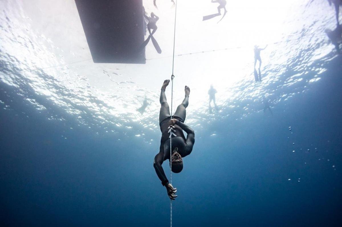 Українець пірнув у глибину на 92 метри та встановив національний рекорд із фрідайвінгу