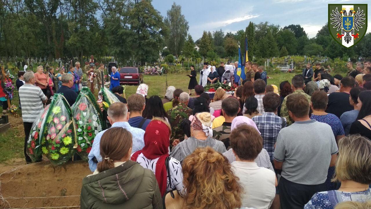 Поховання загиблих солдат ЗСУ