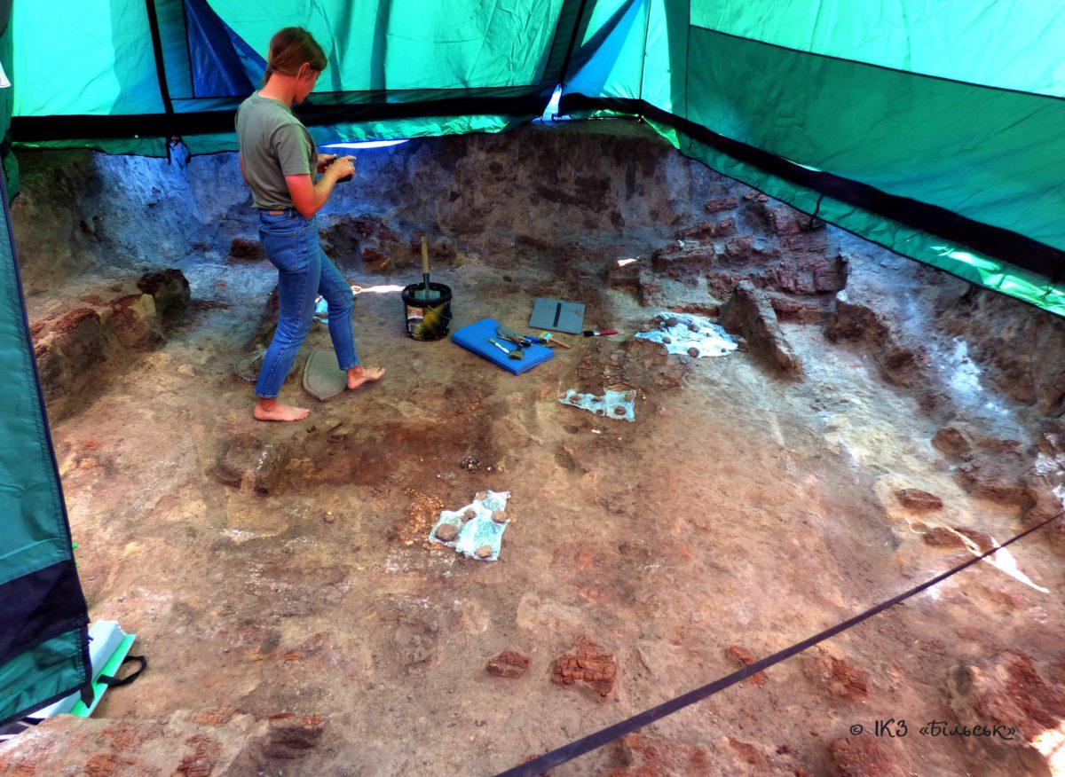 Розкопки у Більську