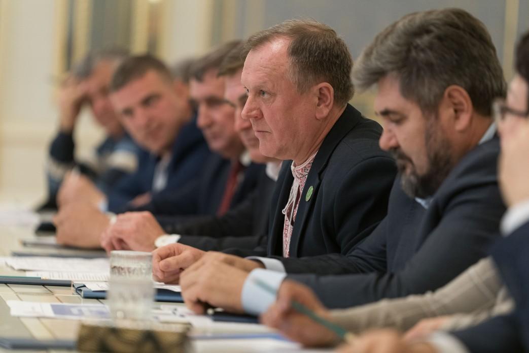 Зеленський обговорив з аграріями