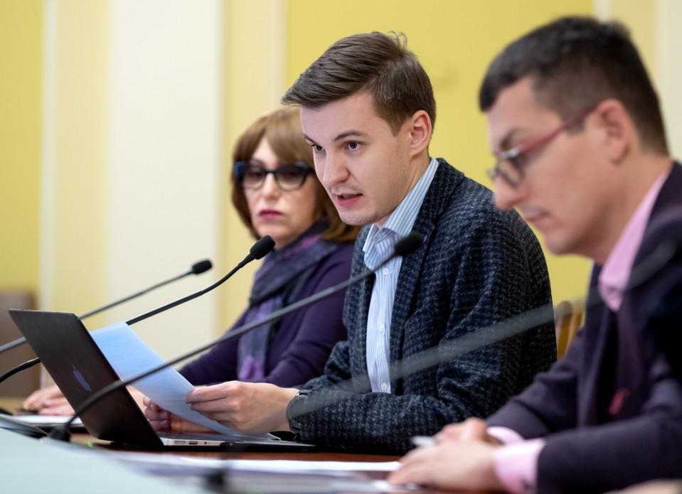 Перший заступник міністра культури, молоді та спорту Анатолій Максимчук