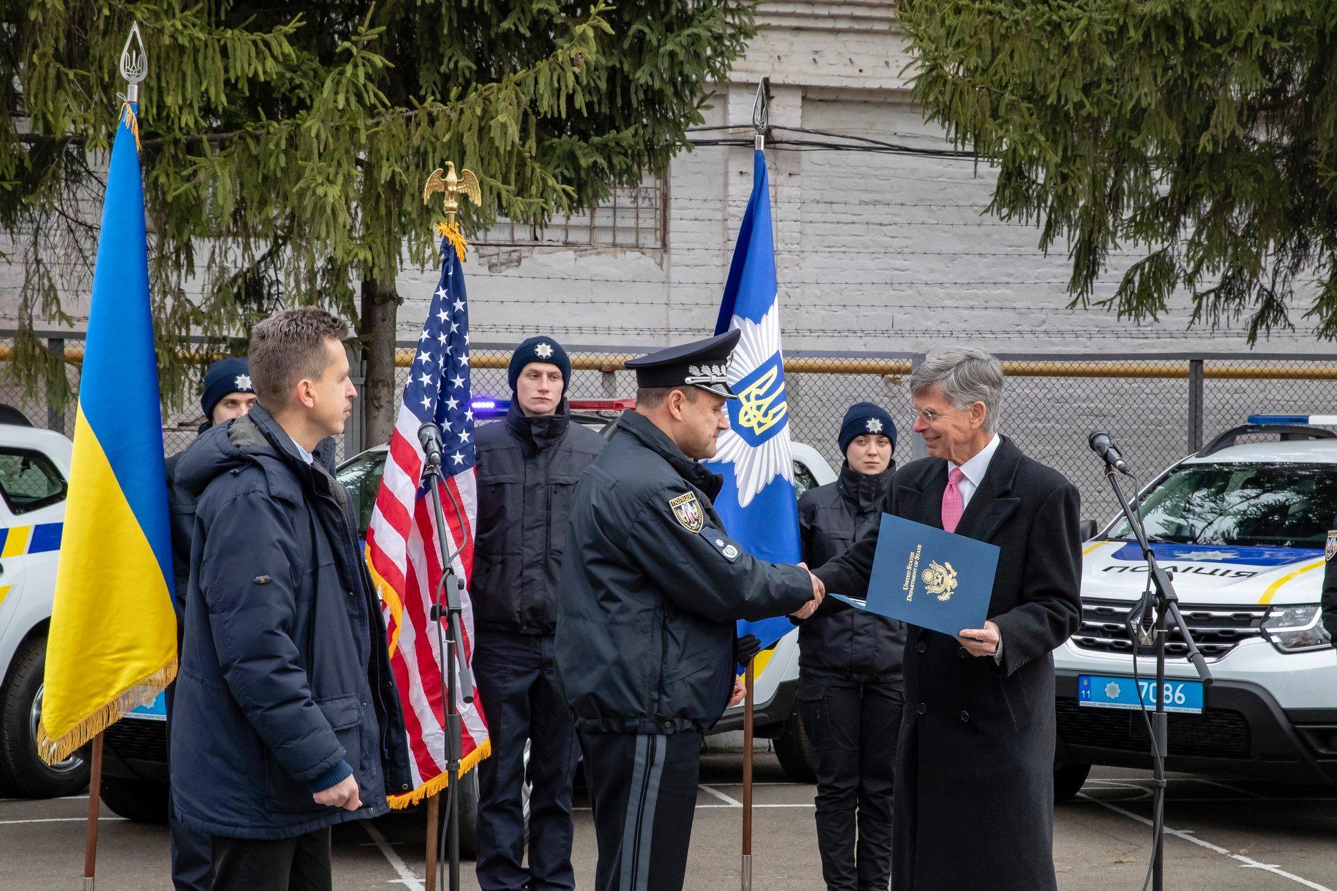 Посольство США передало Нацполіції України 88 автомобілів