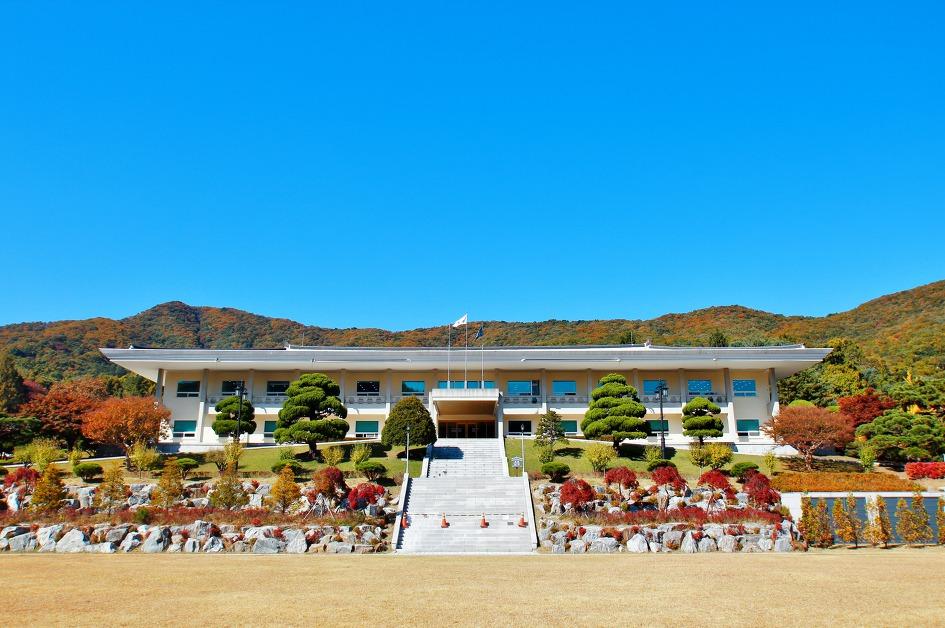 Академія корейських студій