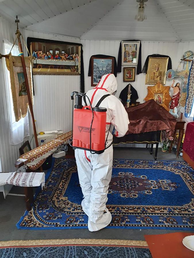 У Радомишлі на Житомирщині провели знезараження церкви