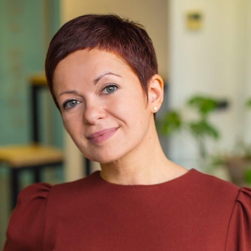 Поліна Адаменко