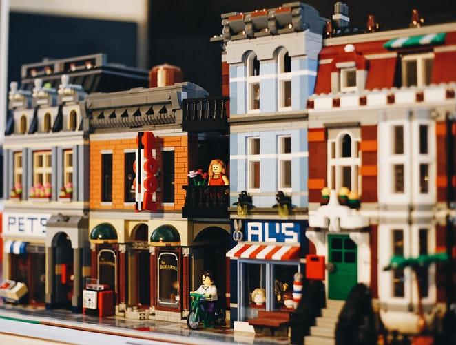 Містобудування та архітектура