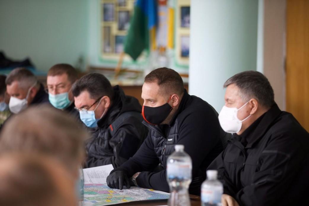 Андрій Єрмак проконтролював перебіг локалізації лісових пожеж на Житомирщині