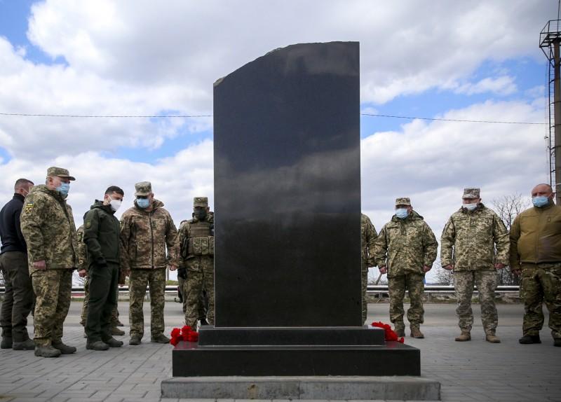Зеленський ушанував пам'ять загиблих пасажирів автобуса Златоустівка – Донецьк