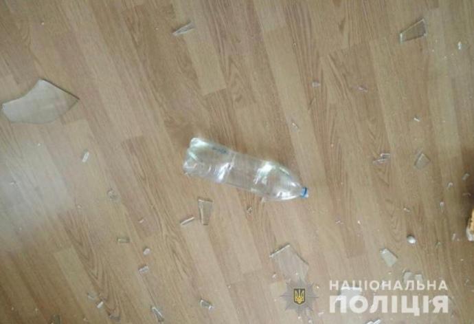 На Київщині розбили вікна в будинку журналіста