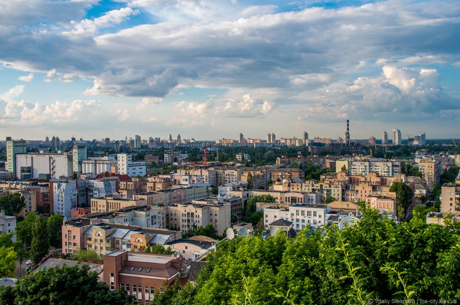 Пагорби Татарки та оглядовий майданчик на горі Щекавиця