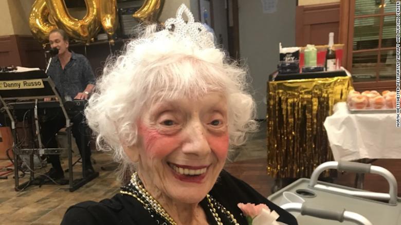 101-річна Анджеліна Фрідман