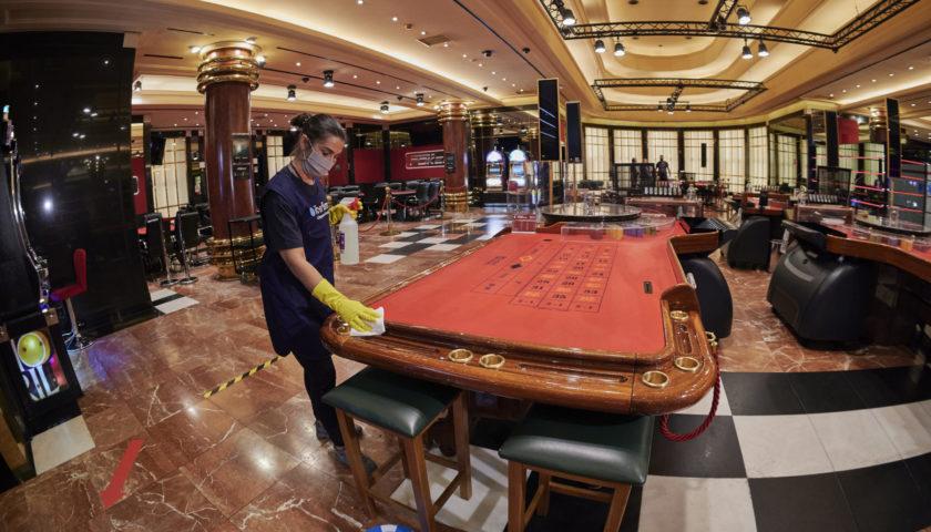 crystal slot казино