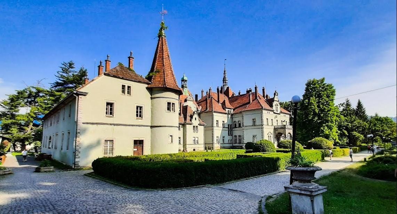 Палац графів Шенборнів