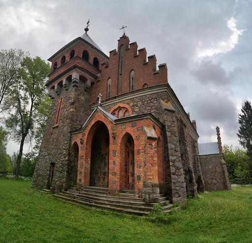 Неоготичний костел Святої Клари