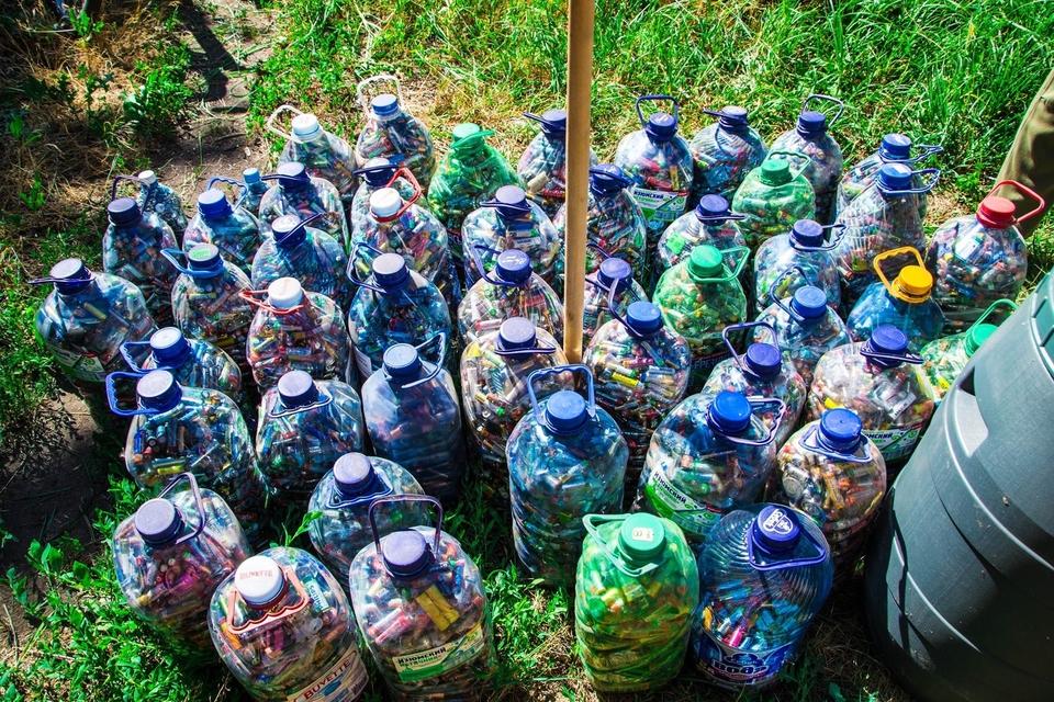 На Харківщині пенсіонер назбирав майже 400 кілограмів батарейок