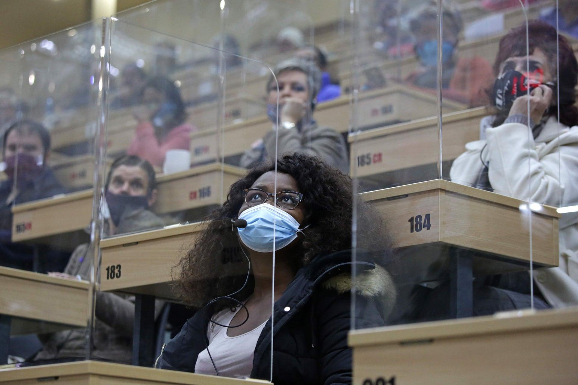 Коронавірус і пластик