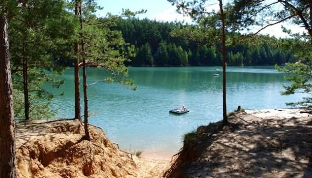 Голуби озера