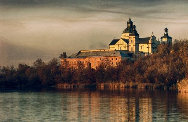 Кармелітський монастир-фортеця