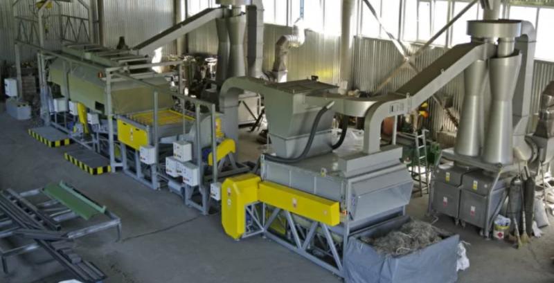 В Україні запустили першу вітчизняну лінію переробки конопель