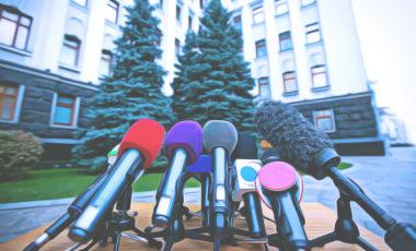 """Штрафы, критика РФ и блокировка сайтов: как новый закон """"О медиа"""" повлияет на жизнь украинцев"""