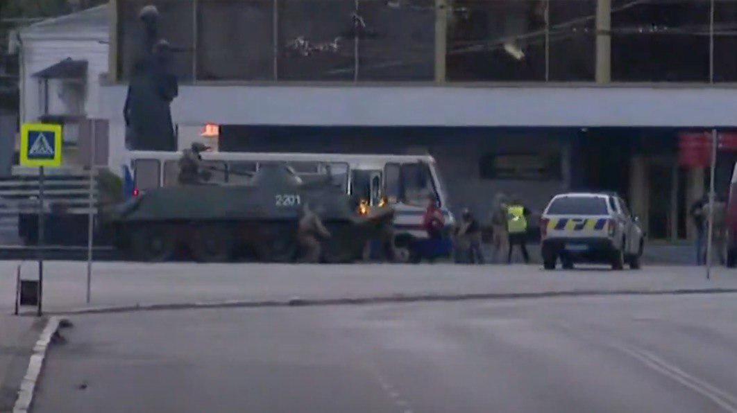 Луцький терорист затриманий, усіх заручників звільнено: фото