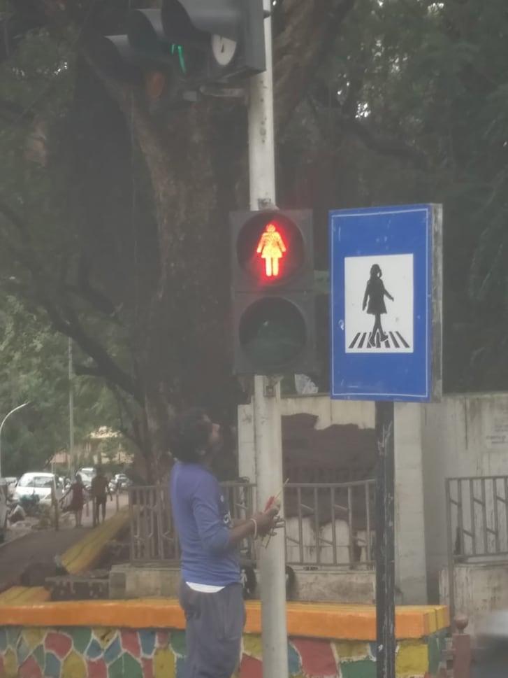У Мумбаї встановили світлофори з жіночими фігурками для гендерної рівності