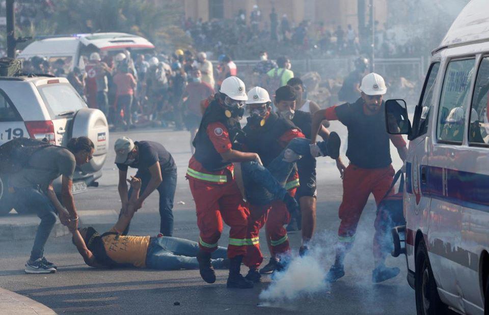 У Бейруті тисячі ліванців вийшли на антиурядові протести через вибух: фото, відео