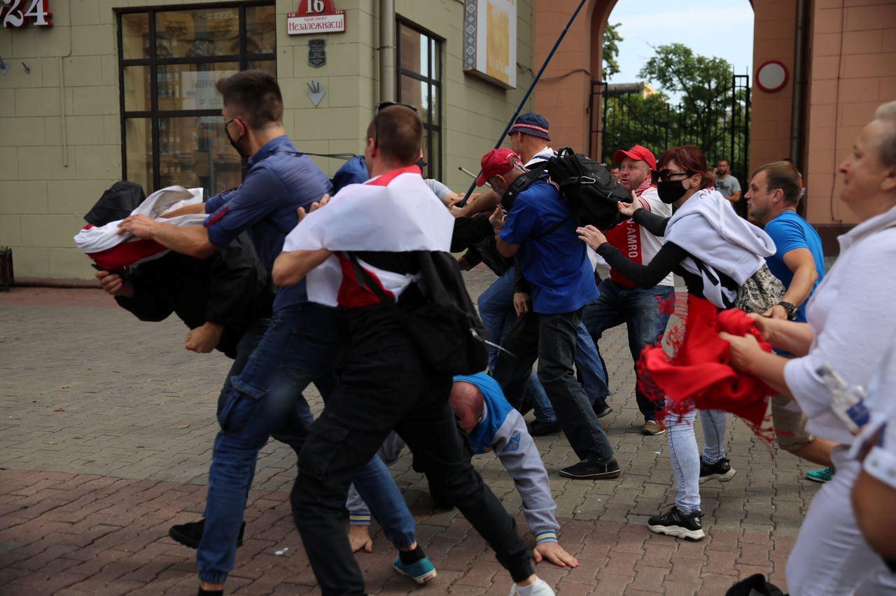 22-й день протестів: у Мінську на акції протесту вже затримали 125 людей