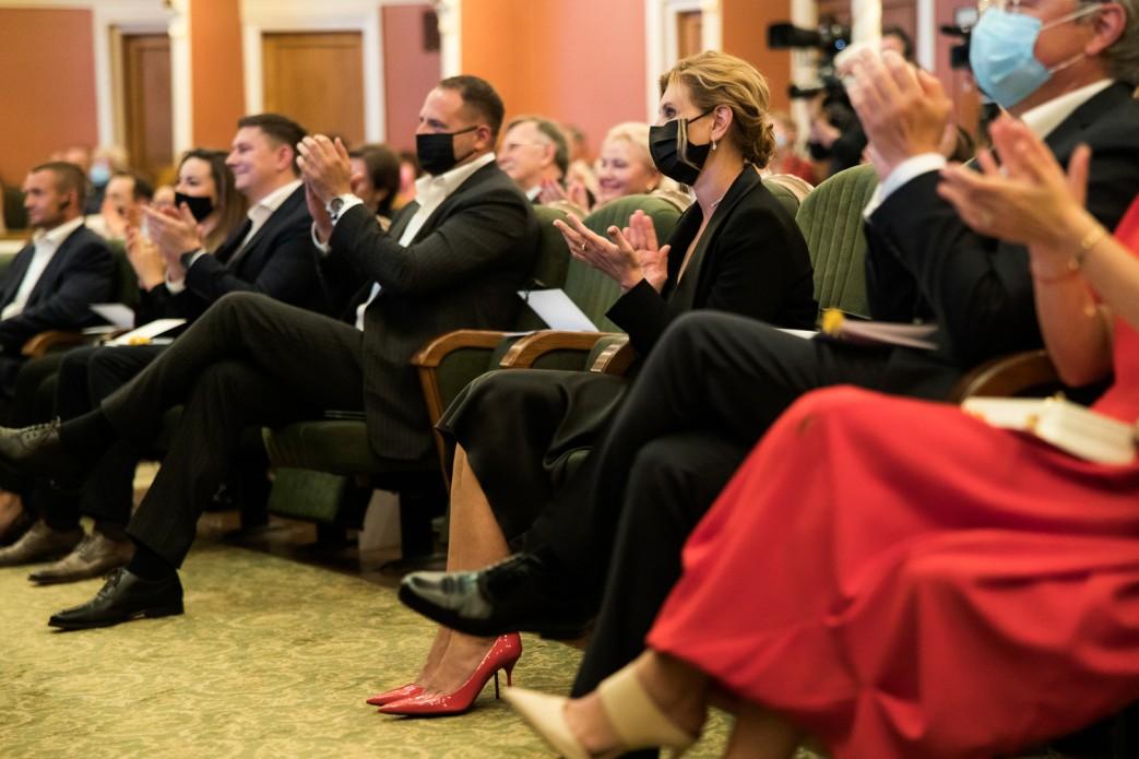 Зеленський разом з дружиною Оленою привітали колектив Національного академічного драматичного театру імені Івана Франка зі сторіччям