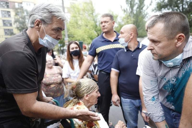 У Дніпрі облили зеленкою міського голову Бориса Філатова.