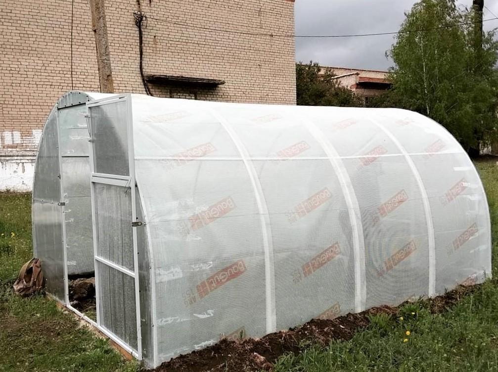 Агрокомплекс на шкільному подвір'ї