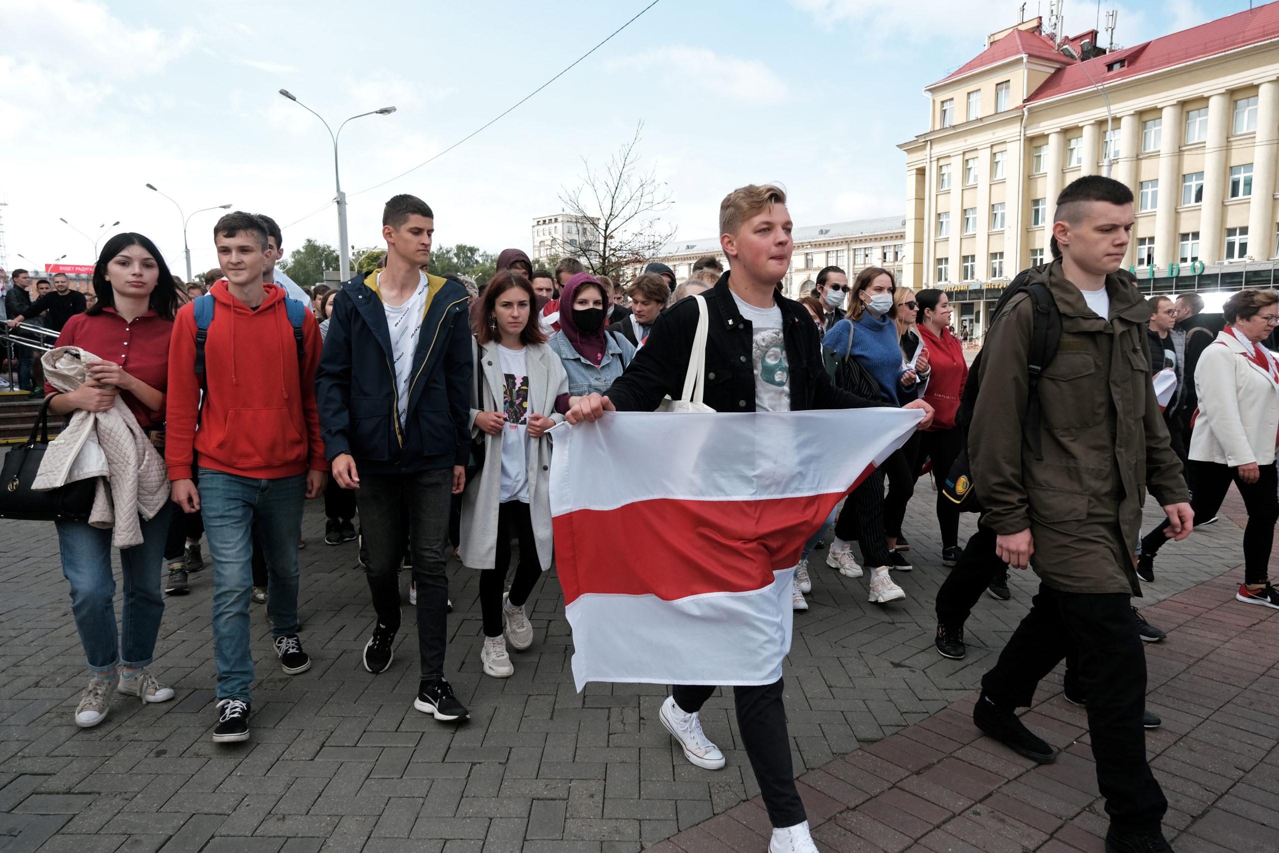 У Мінську силовики знову почали затримувати студентів: фото