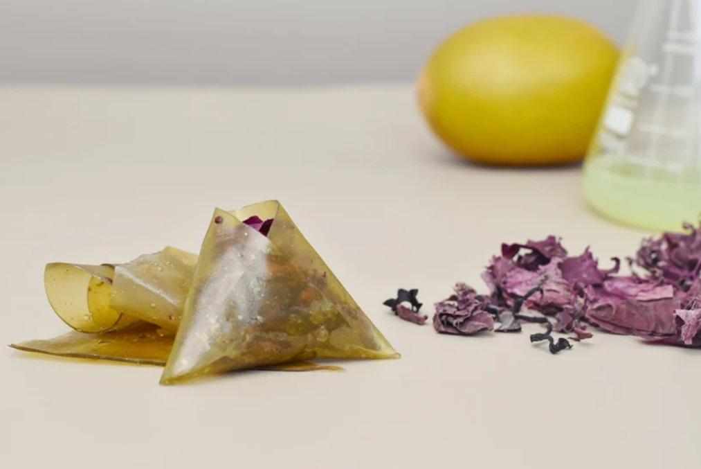 Дизайнерка з Китаю створила альтернативу пакуванню харчових продуктів з морських водоростей